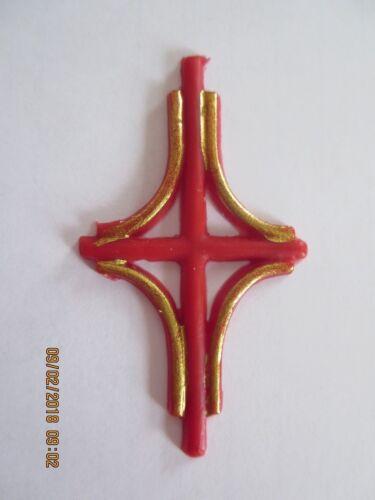 Wachskunst Ostern Wachsornament Kreuz Kerze basteln für Osterkerze