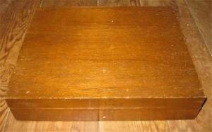 Flatware-Storage-Chest-Case-Wooden-Silverware-Oak-Wood-Red-Interior-Vintage-O