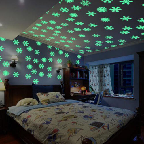 50Pcs 3D Christmas Snowflake Decal Glow In The Dark Kids Room Home Wall Sticker