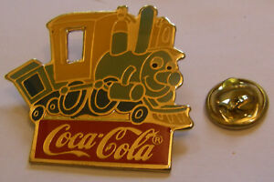 DISNEY-COCA-COLA-CASEY-JUNIOR-DUMBO-vintage-pin-badge