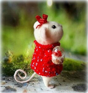 Handmade-doll-gift-Holiday-art-gifts-Animal-presents-toy-Needle-felted-mouse