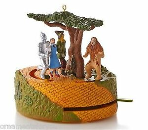 Hallmark-2013-Lions-and-Tigers-and-Bears-Wizard-of-Oz-Ornament