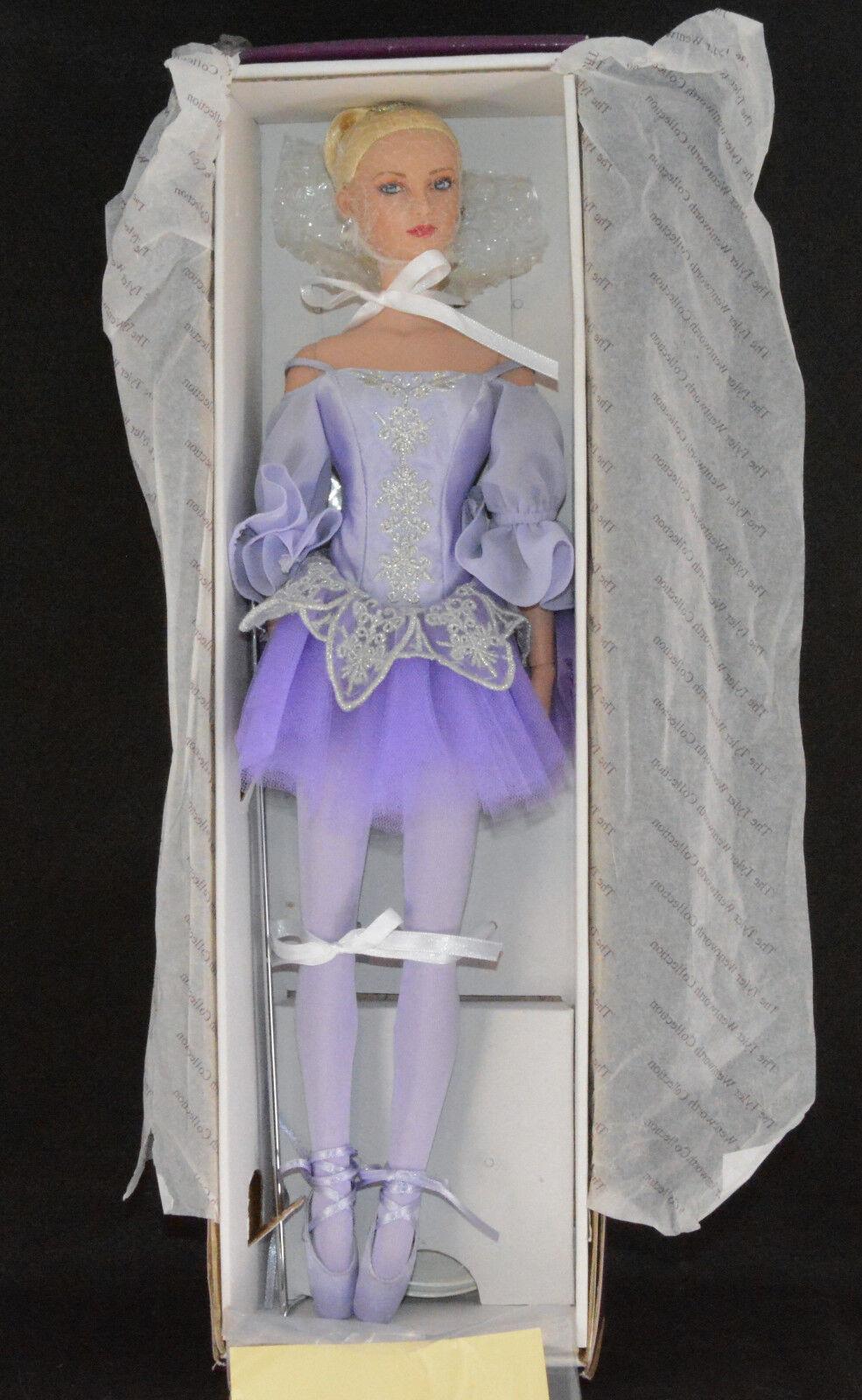 Tonner 1st Ballerina  Les Etoiles Emilie 2006 16  Tall)