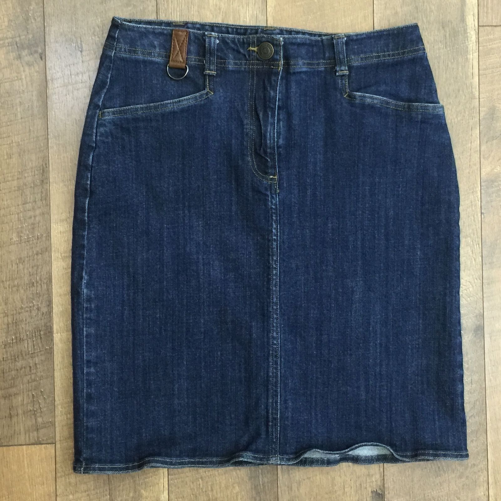 LANDS END Stretch Denim Skirt With Attached Key Loop Comfortable Cool Womens 6