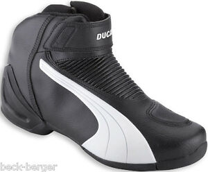 bfee66658d6 DUCATI PUMA FLAT V2 BLW SEMI-HIGH Boots Hoes Shoes Boots Black White ...
