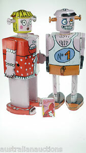 2-x-FRENCH-TIN-TOYS-LITHOGRAPHED-ROBOTS-BELLA-BOBOS-THE-BOXER-30cm-FRENCH