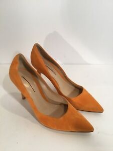 9471968de4b2 Sergio Rossi Orange Suede Pointed Toe Pumps Heels Godiva Sz 40  630 ...
