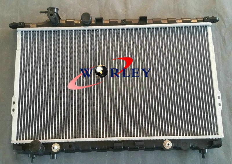 Radiator For 99-05 Hyundai Sonata 01-06 Kia Magentis Optima 2.4L 2.5L 2.7L L4 V6