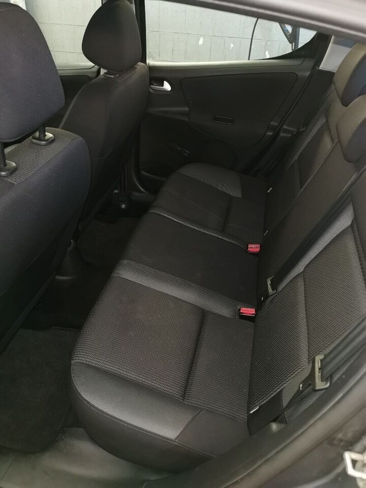 Peugeot 207 1,4 HDi 70 Active Diesel modelår 2011 km 220000