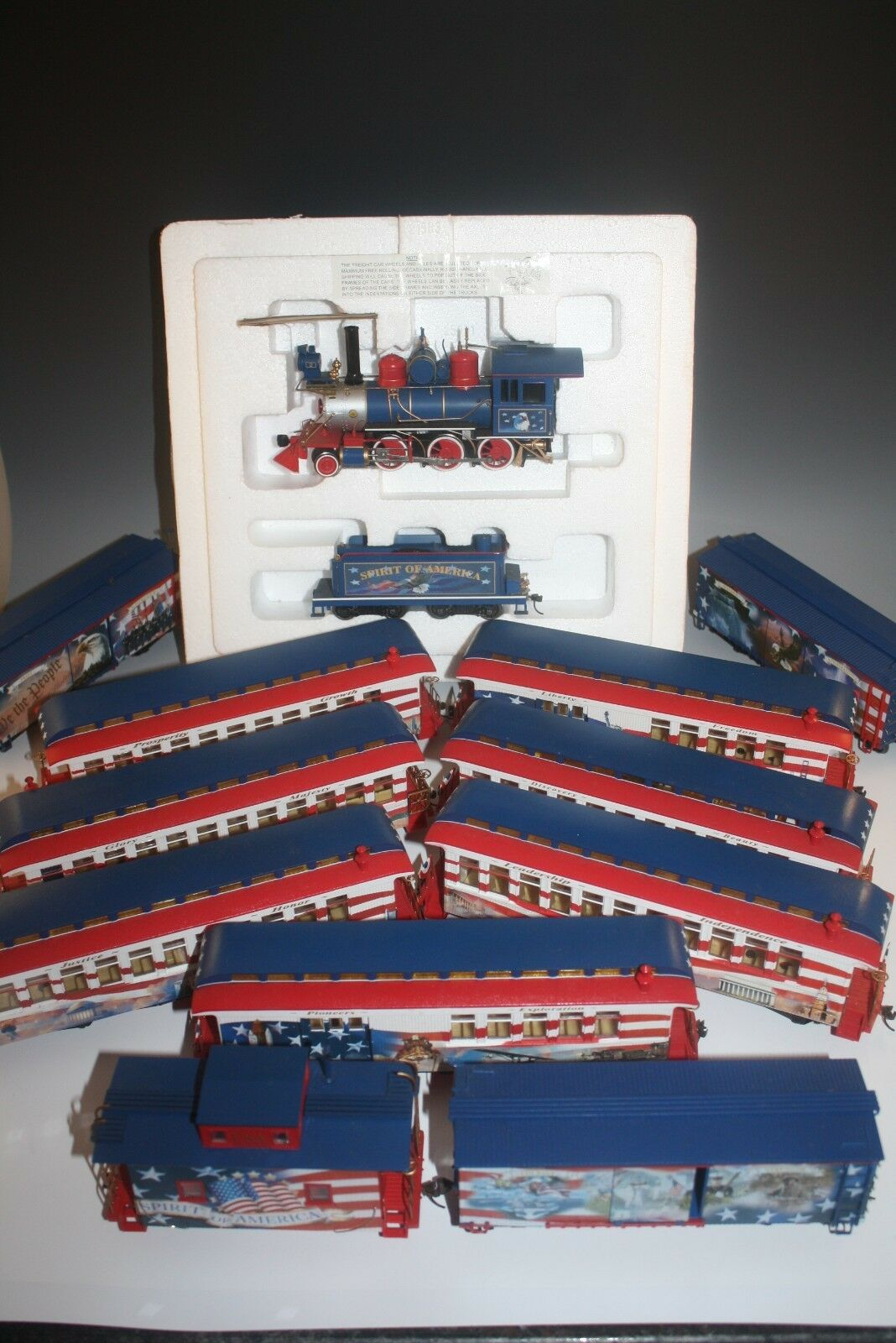 BACHMANN HAWTHORNE VILLAGE SPIRIT OF AMERICA TRAIN SET 13 PC COMPLETE LARGE SET
