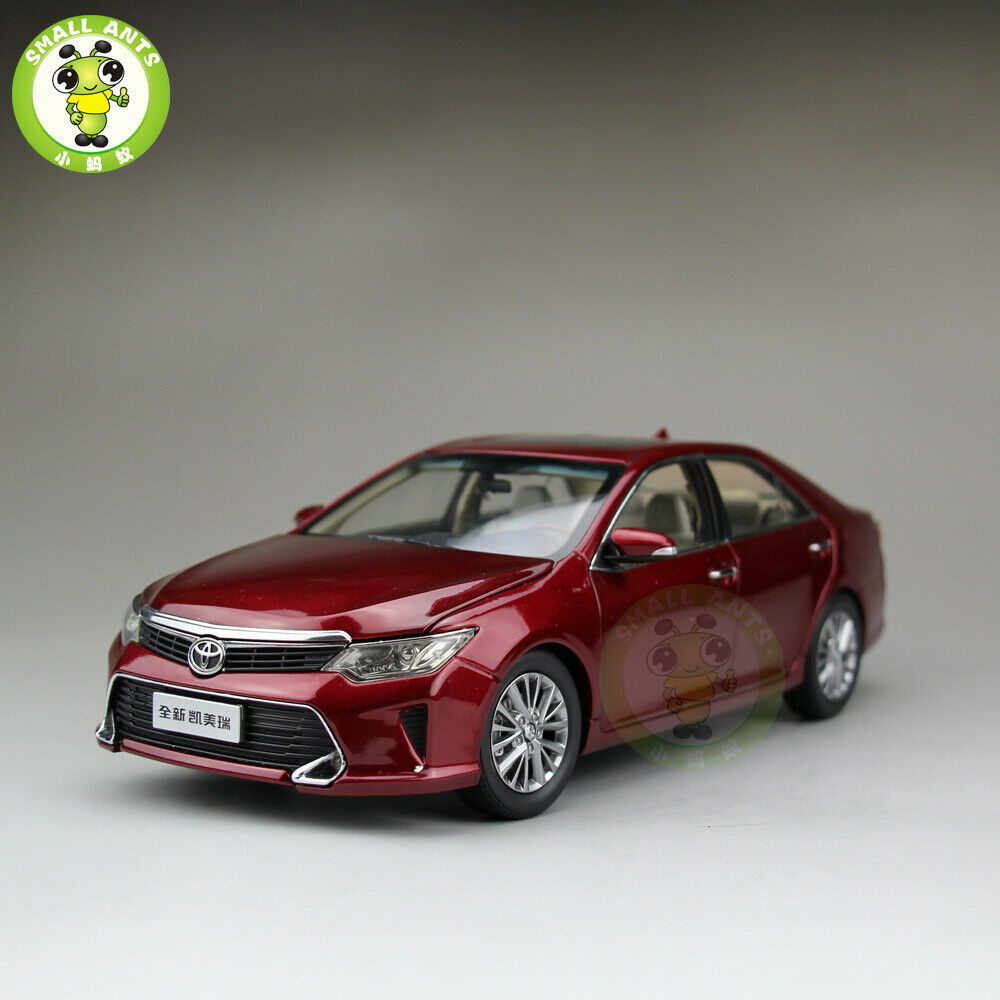 1 18 Toyota New Camry 2015 Diecast Car Model Toys kids Boy Girl Gifts rosso