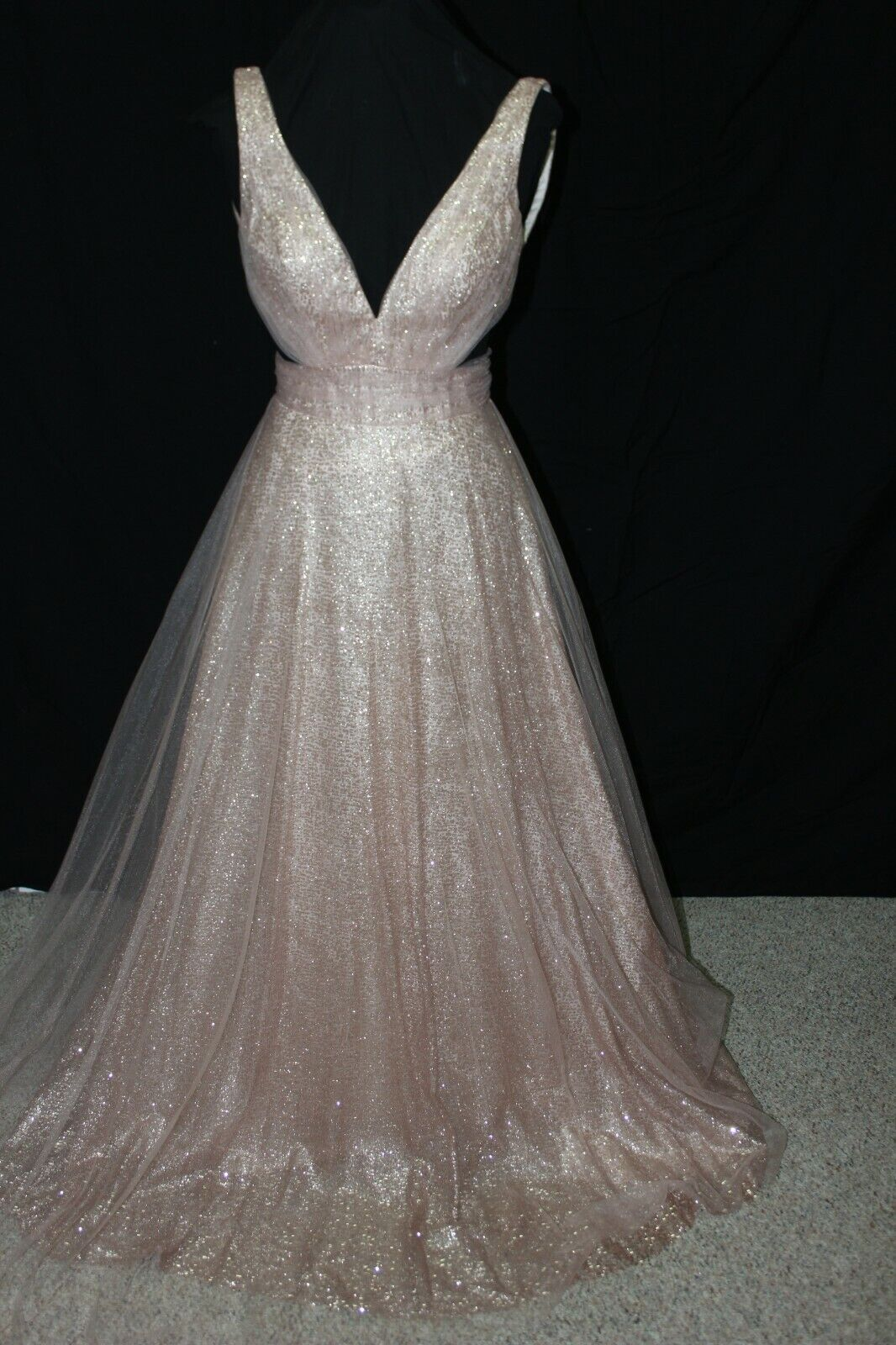 NWT Madison James 20-382 Rose Gold sparkle/tulle A line gown, cut outs, Size 8
