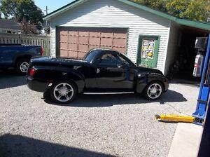 Chev SSR 2005  Aqua  + 2004 Chev SSR Black