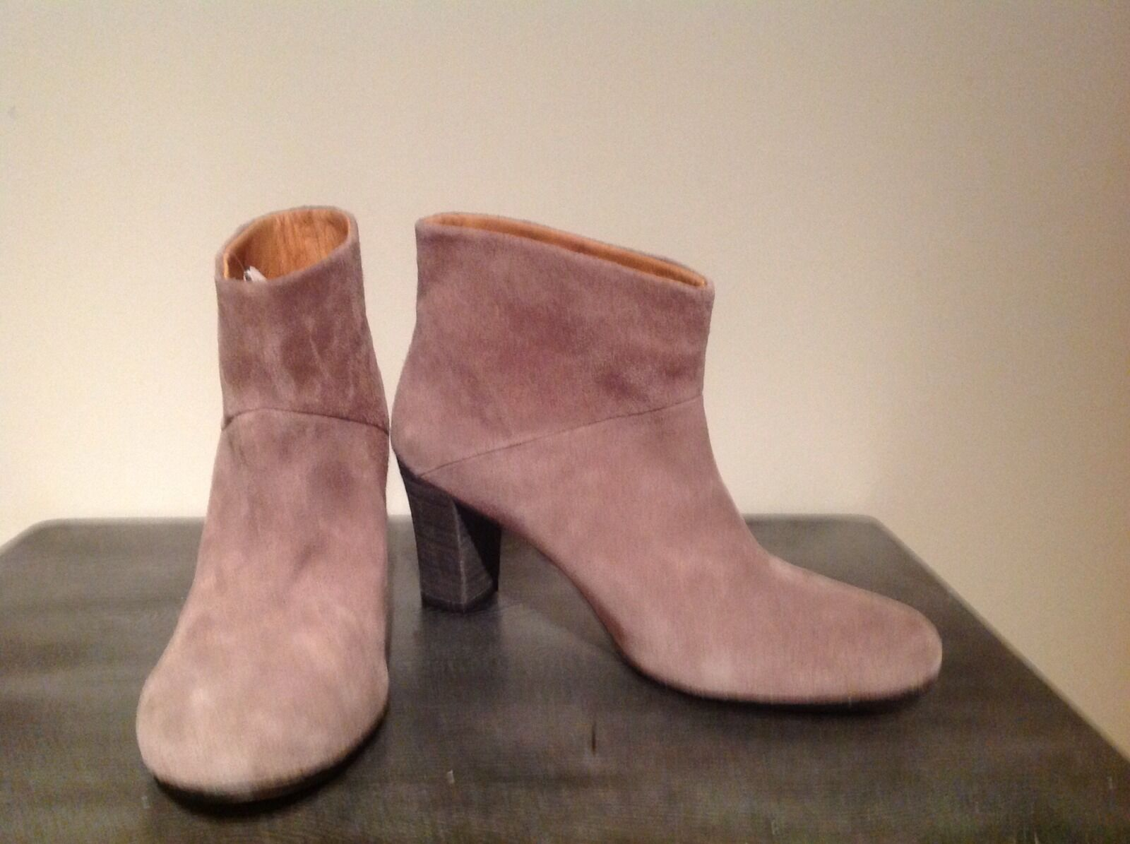 Beige suede booties Antic Basic super cool
