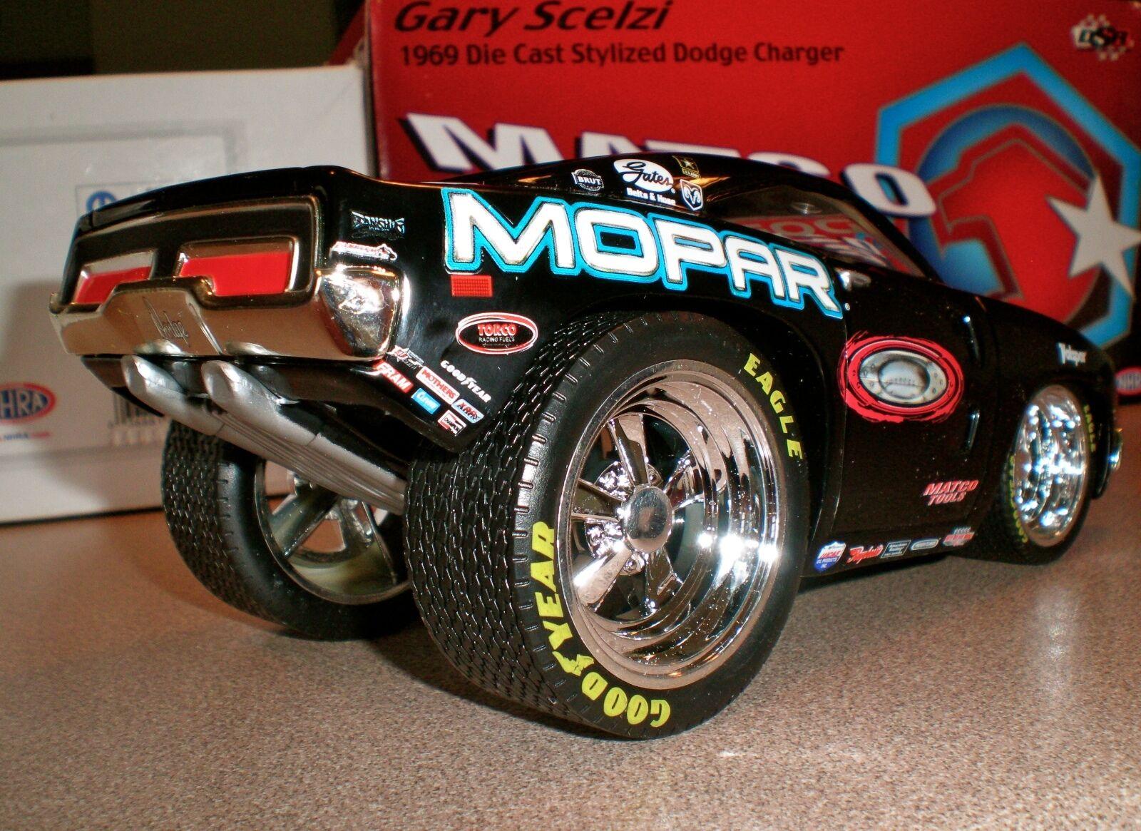 Sconto del 70% NHRA GARY GARY GARY SCELZI Top Fuel Dragster divertimentoNY auto 69 Charger  RARE  2005 Champion  migliore marca