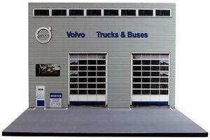 Diorama-Garage-VOLVO-Trucks-amp-Buses-1-50eme-50-2-E-E-007