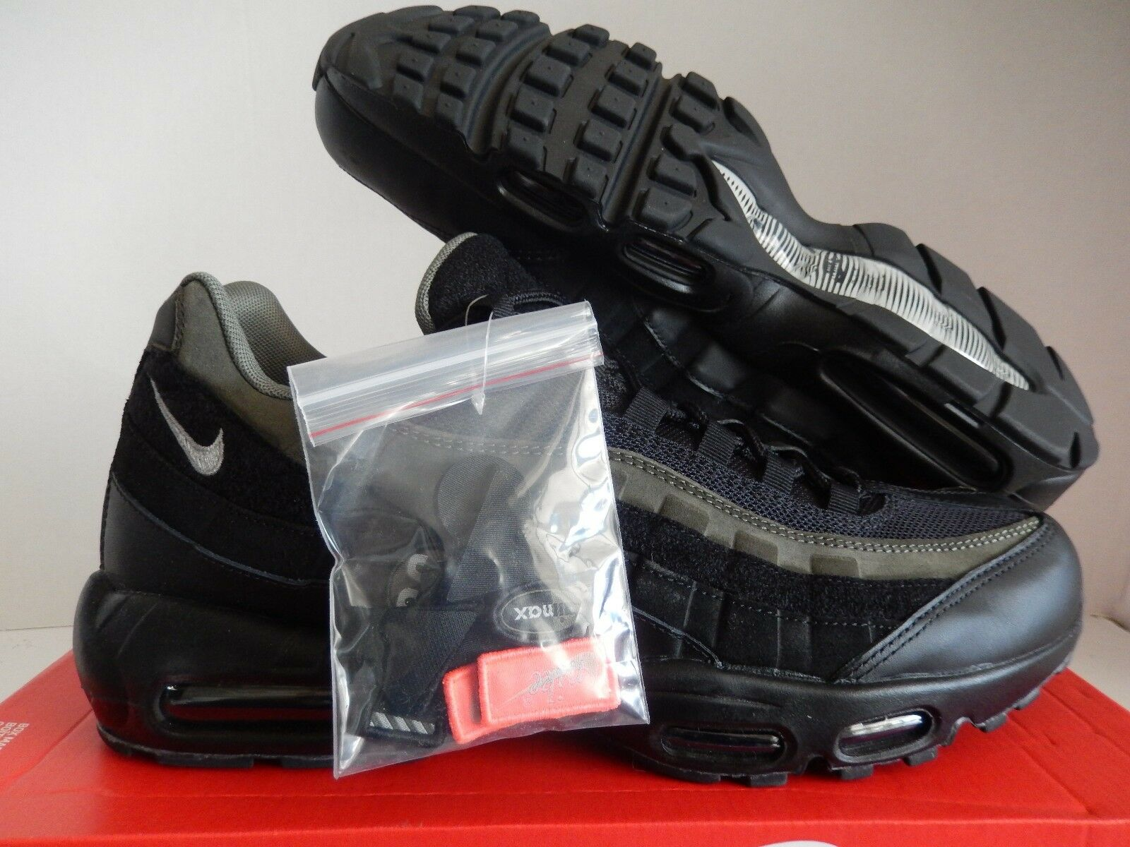 Nike air max max max 95 hal schwarz-schwarz-cargo khaki sz 10 [ah8444-001] d24bb3