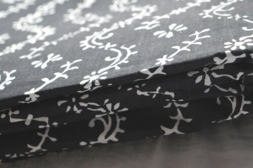Floral Print Floral /& black Indian Cotton Crafting Fabric Material 2.5 Yard