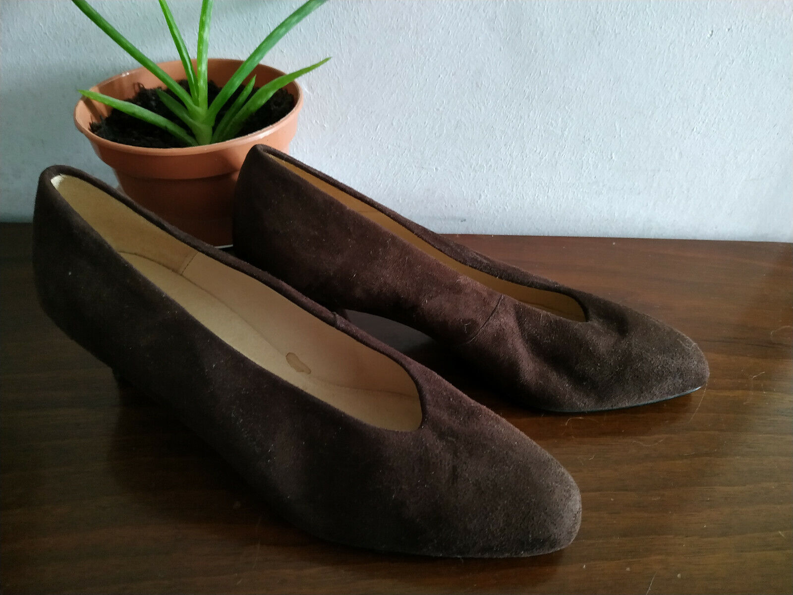 AH308)Size 3.5 brown suede/faux suede court Shoes from NEXT - used - 2