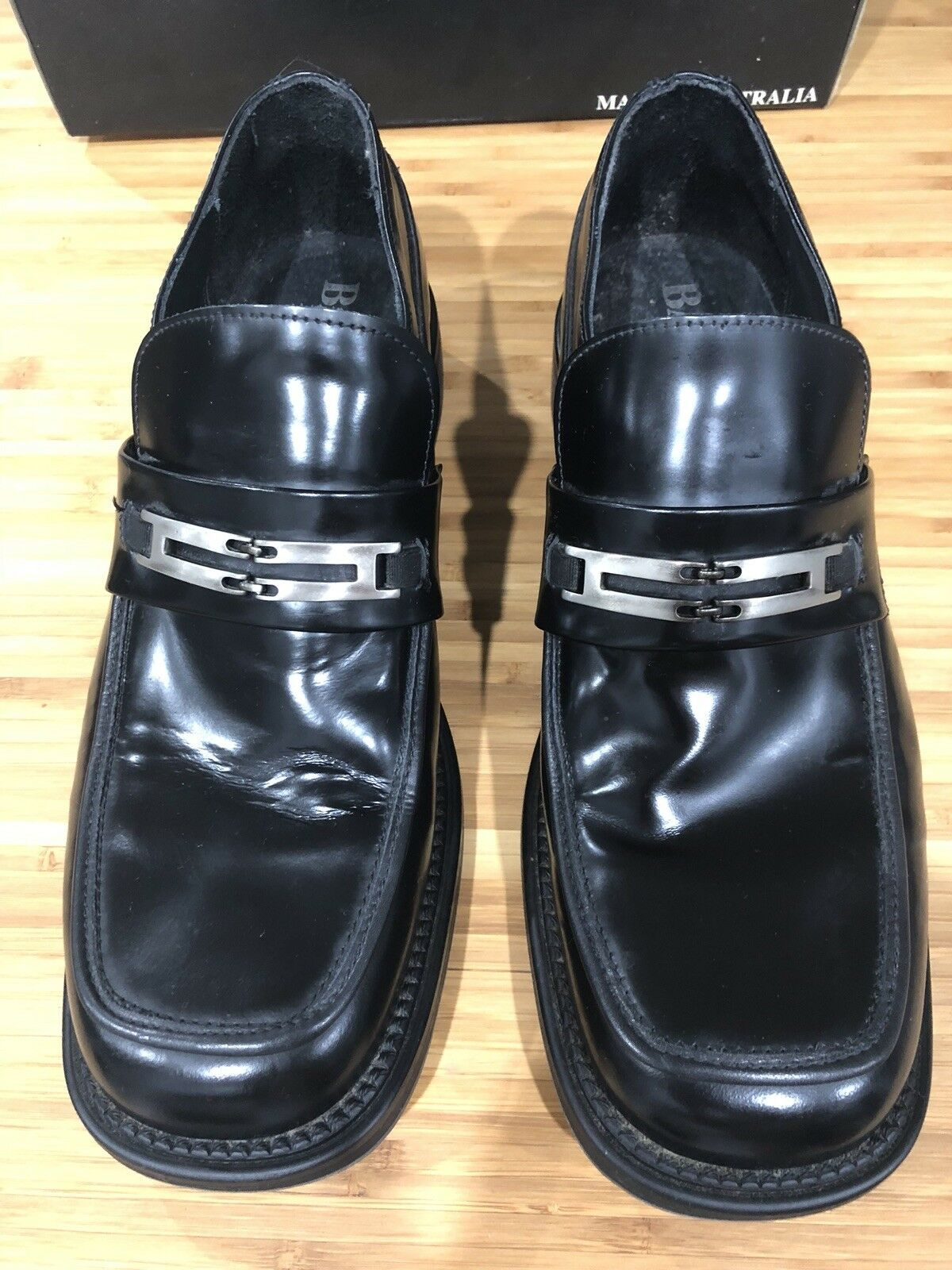 Mr/Ms Batsanis Black Leather Shoes Modern and elegant fashion Attractive fashion Valuable boutique