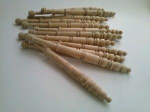 24 UDS.  BOLILLOS DE MADERA DE OLIVO.  ENCAJE   13 cm. TIPO ALMAGRO BOBBIN LACE