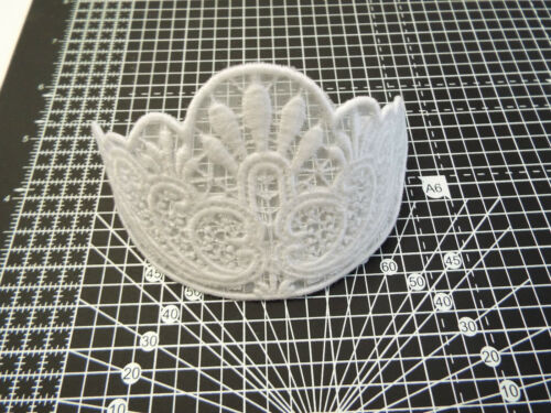 Applique,Wedding,Trimmings  16cm x 7cm White Guipure Lace Motif