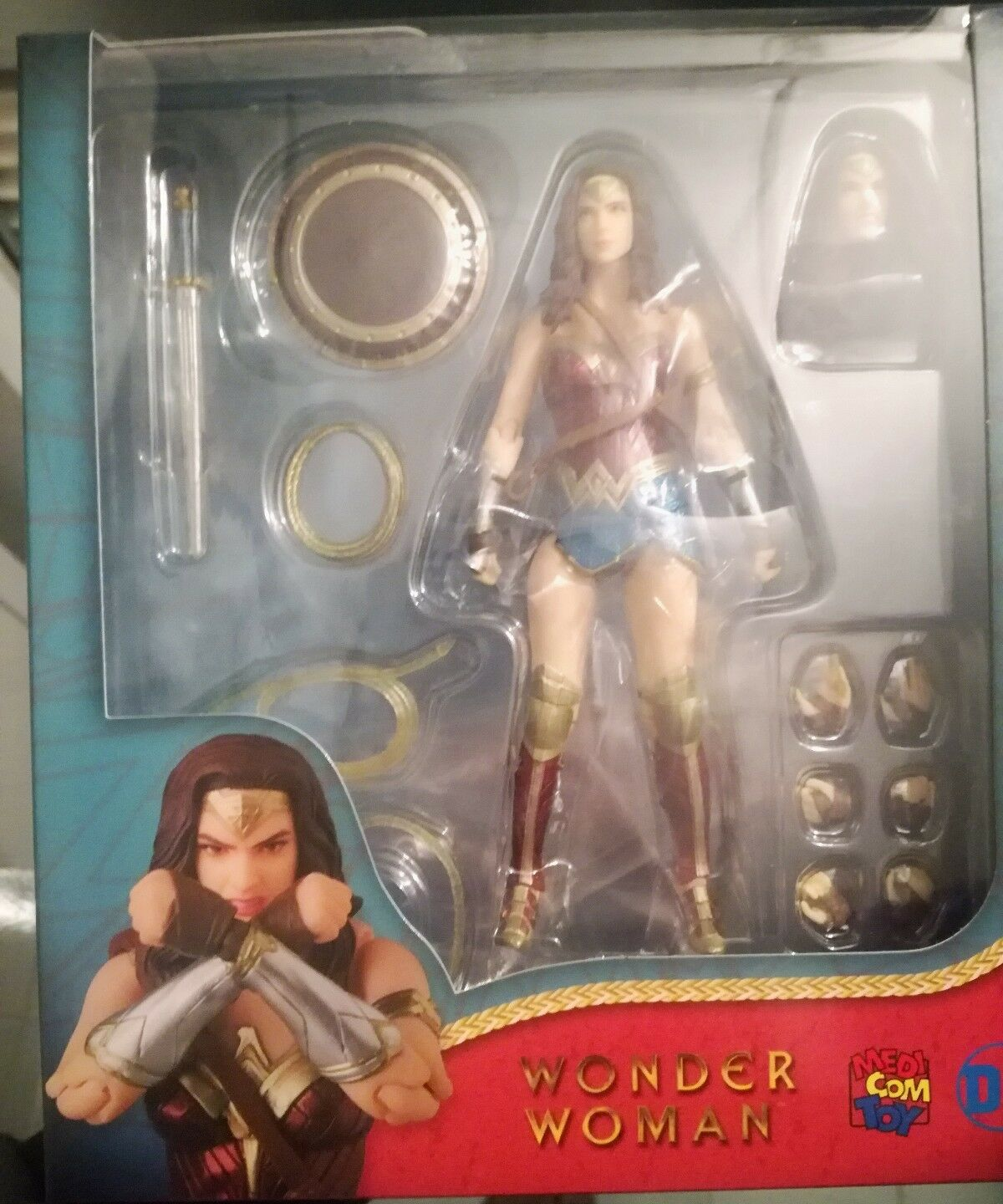 Medicom Mafex Wonder Woman 048
