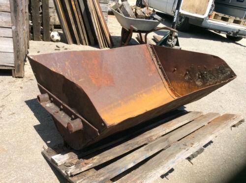 Alte Minenschacht Wagen Mulde Trolle
