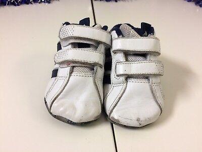 Chicos mi primer entrenador Adidas cochecito BOTINES SIZE UK 2 Infantil