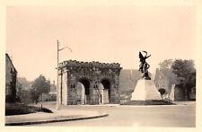 Urlaubs Fahrt Tor mit Denkmal in Verdun Frankreich