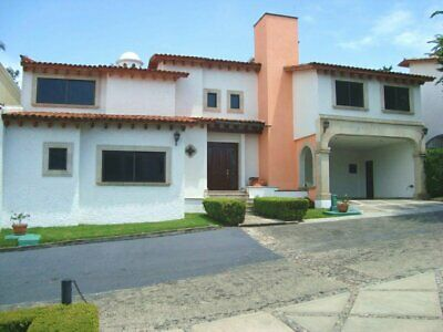 Venta de Casa en Privada Condominio Residencial con Vigilancia de Col. Palmira, Sur