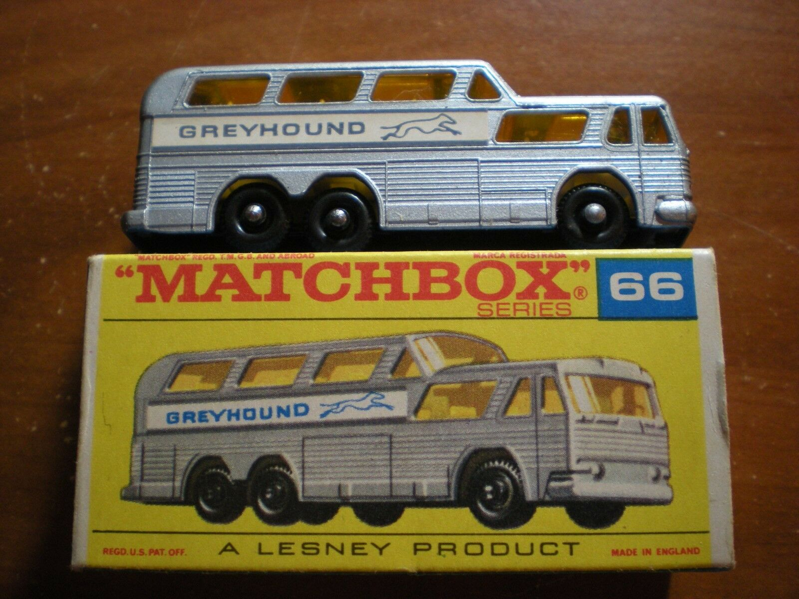MATCHBOX LESNEY LNIB  C GREYHOUND BUS WITH ORIGINAL  F  BOX