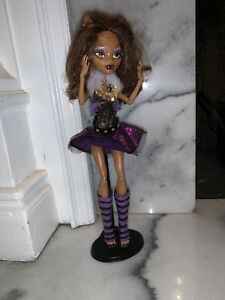 Monster-High-Ghouls-Alive-Clawdeen-Wolf-Doll-Werewolf-Eyes-Close-Sounds-Move