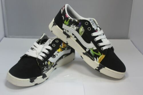 Red Blue Girls Stylish Snickers Skateboard Shoes With Floral Design Black