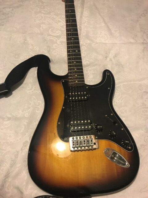 Squier Bullet Electric Guitar ICS11154912 With Strap