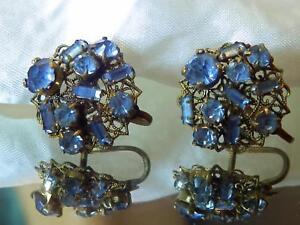 Vintage-1940-039-s-Ornate-Blue-Rhinestone-Flower-X-Pretty-Screw-Back-Earrings-216jn8