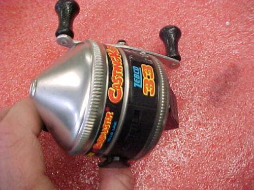 FT1 ZEBCO bassmaster made in USA castingkids spincaster fishing reel 33
