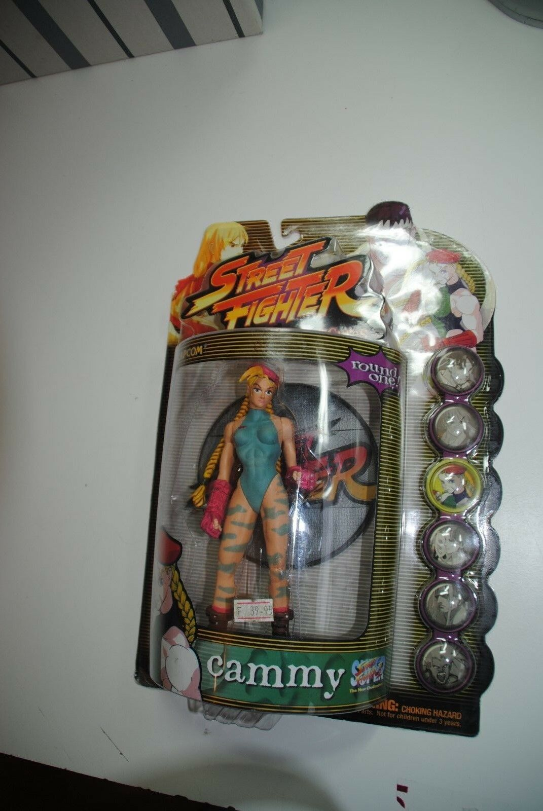 STREET FIGHTER 2 CAPCOM 1999  ' CAMMY   RESAURUS  MOC