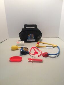 Vintage-Fisher-Price-Black-Doctor-Bag-Medical-Kit-w-Accessories-Kids-Pretend-Toy