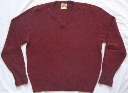 60's vintage ALAN PAINE burgundy red V-NECK SWEATE