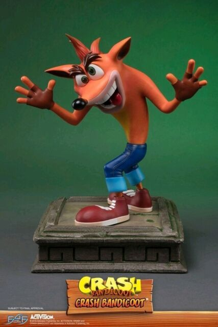 """Crash Bandicoot - Crash Bandicoot 16"""" Statue"""