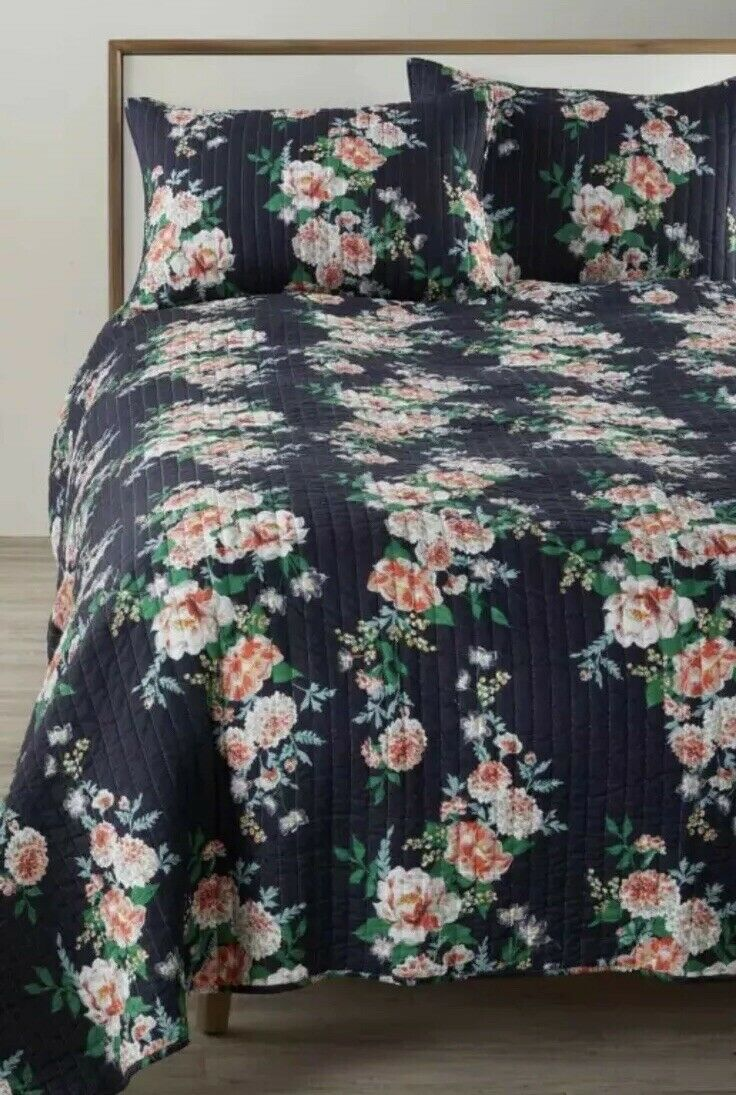 Levtex Reversible Bree Quilt King Size 2002