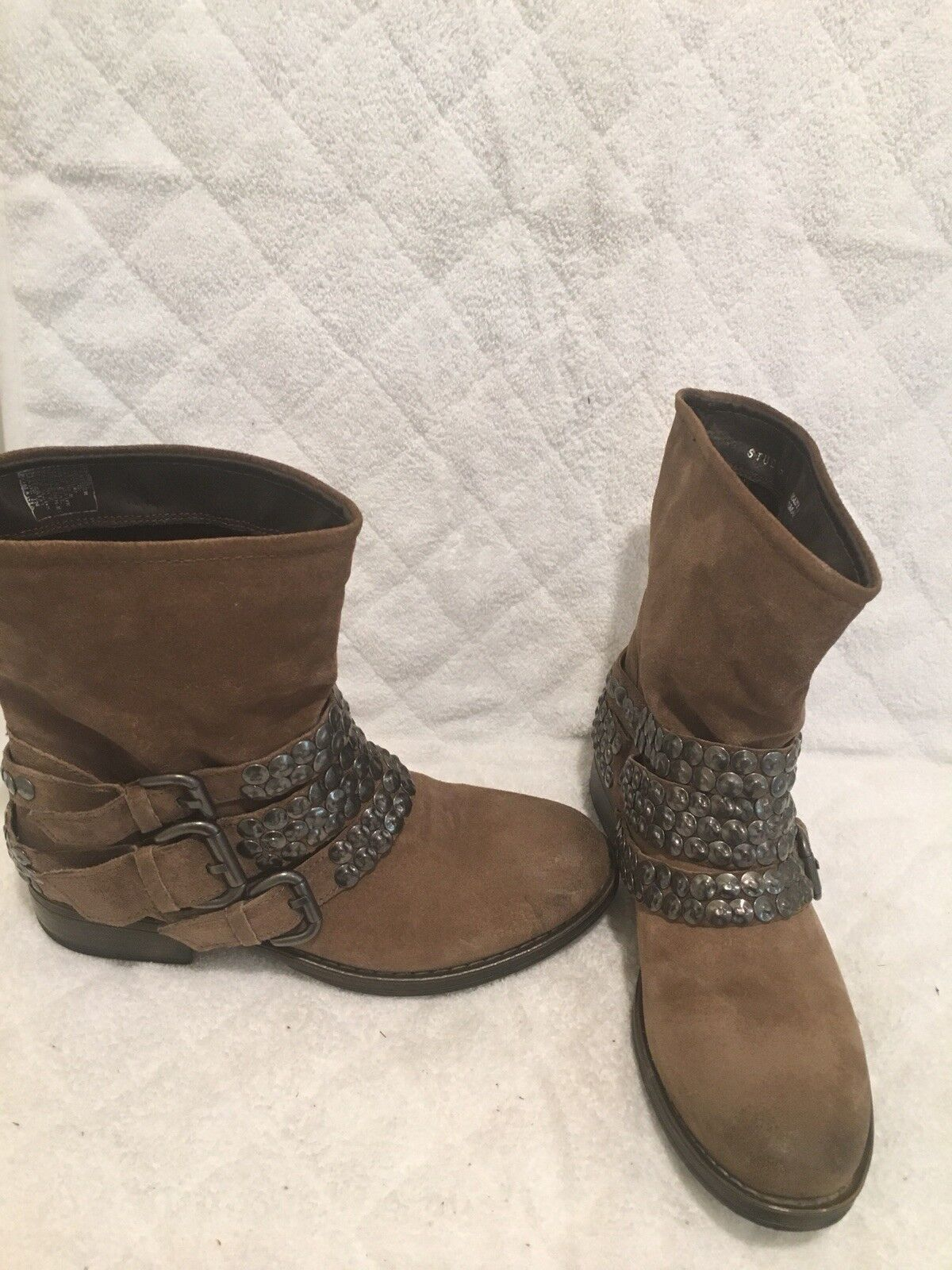 STEVE MADDEN STUDDED MOTO BOOT SUEDE LIGHT BROWEN  SIZE 39 ANKLE BOOT