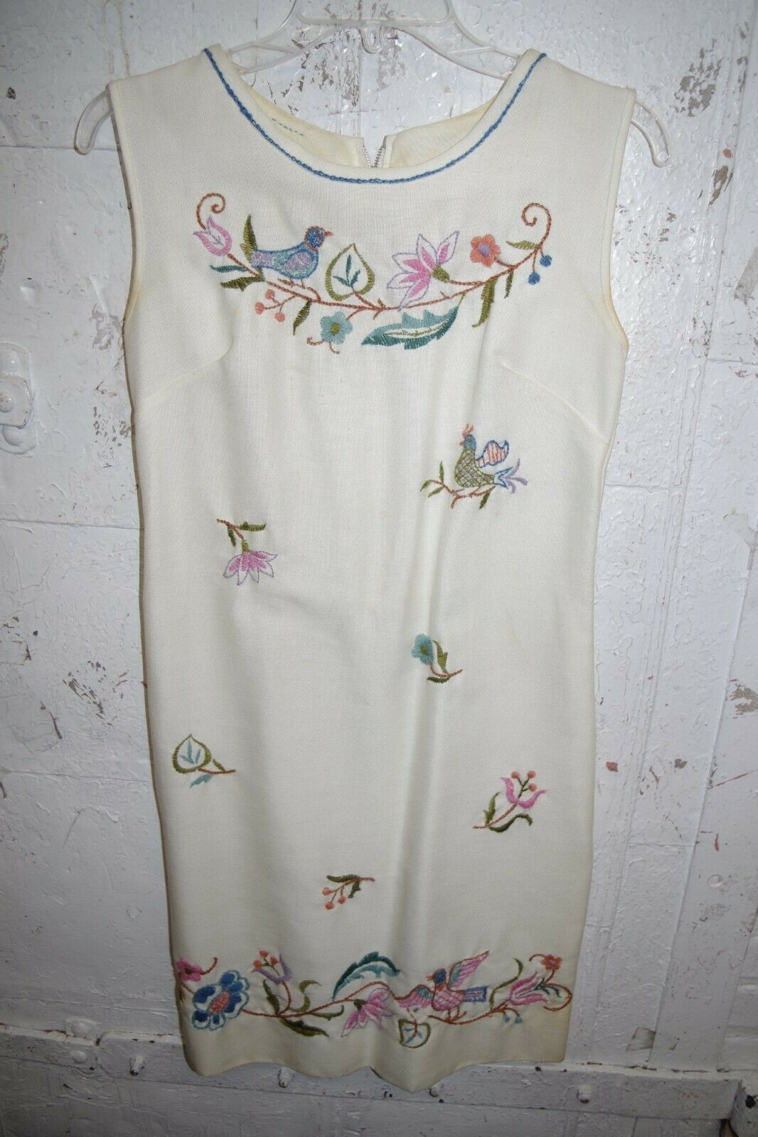 DRESS Off White Hand Embroidered 1960s Vintage Small Shift Sheath Birds Flowers