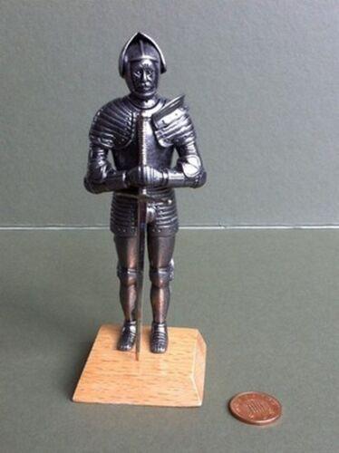 Enrique VIII caballero en armadura completa con espada, muñeca casa miniatura, Medieval,