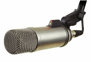 Rode-Broadcaster-Large-diaphragm-Broadcast-Podcast-Mic-w-On-Air-Indicator-NEW
