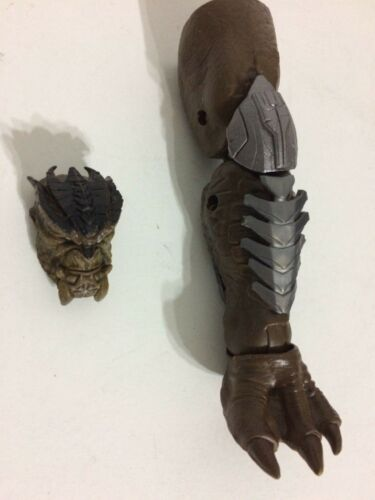 Marvel Legends Cull Obsidian Baf Head and Left Leg from Ant-Man and Wasp Figures