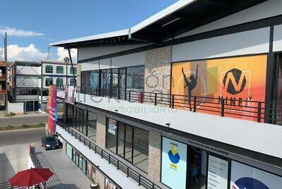 Mirador, renta de locales comerciales en Plaza Sta Lucie.