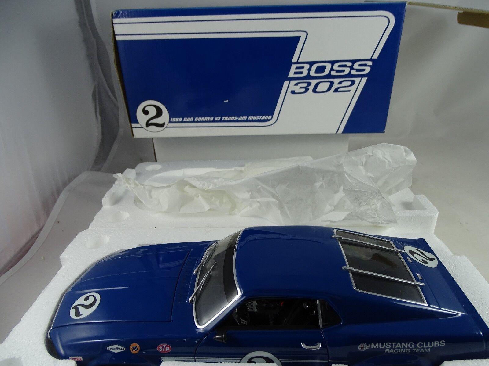 1 18 gmpwelly 1969 BOSS 302 Trans Am Mustang  2 Dan Gurney Grabber bleu RARE