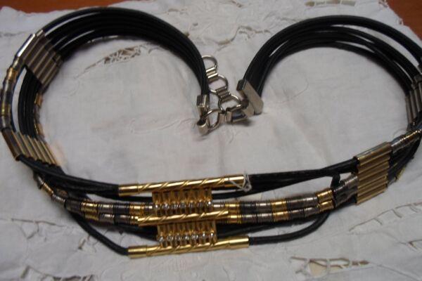 1 Cintura Pelle Nera Con Strass Con Intermezzi In Oro Davvero Particolare Materiali Di Alta Qualità